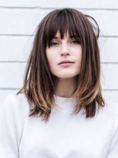 Trends Bob Frisuren -Haare You are in the right place about hair bangs diy Here we offer you the most beautiful pictures about the hair bangs curly you are looking for. When you examine the Trends Bob Frisuren -Haare part of the picture you can get the … Lob With Bangs, Hairstyles With Bangs, Lob Bangs, Edgy Bangs, Blonde Bangs, Medium Length Hair With Bangs, Short Bangs, Short Blonde, Shoulder Length Hair Cuts With Bangs