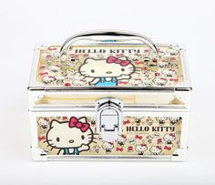 Got this free and with free shipping today from Sanrio! It's so cute I'm so excited!
