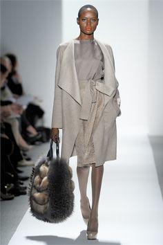 Sfilata Dennis Basso New York - Collezioni Autunno Inverno 2012-13 - Vogue