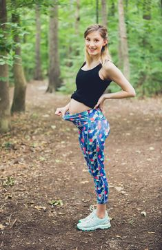 04bd1062cecc7 Lifestyle and fashion blogger Jessica Linn from Linn Style wearing athletic  maternity wear from POP!