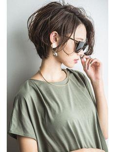 【vain#T】クールな前下がりハンサムshort:L045887711|ヴェイン 渋谷(vain)のヘアカタログ|ホットペッパービューティー Asian Short Hair, Short Hairstyles For Thick Hair, Short Hair Cuts For Women, Pixie Hairstyles, Asian Haircut Short, Short Hair Tomboy, Shot Hair Styles, Curly Hair Styles, Corte Y Color