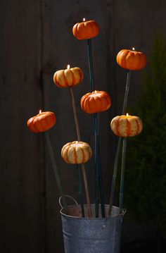 Video: How to make a pumpkin torchere in minutes!