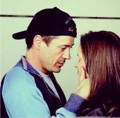 This is the most adorable picture if Robert and Susan Downey.