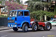 OM 180 NT Stupendoooo !!! REGGIO EMILIA - Festa per ricordare i 150 Unità ITALIA con i mezzi storici di A.I.T.E. www.trasportidepoca.it/ REGGIO EMILIA - Feast to commemorate the 150 Units Italy with the historical means of A. I. T. E. www.trasportidepoca.it/ 16.04.2011 Heavy Duty Trucks, Big Trucks, Dayton Wheels, Fiat Models, Reggio Emilia, Road Train, Camper, Maserati, Ferrari
