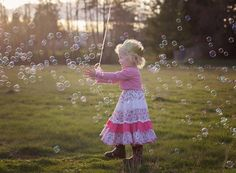 Birthday Pictures for Adeline 3rd Birthday Parties, Girl Birthday, Toddler Girl Pictures, 3 Year Old Girl, Birthday Pictures, Old Pictures, Photo Shoot, Photo Ideas, Flower Girl Dresses