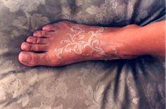 Love the white foot tattoo Brilliant White Ink Tattoos 3d Tattoos, Dream Tattoos, Foot Tattoos, Body Art Tattoos, Small Tattoos, Tatoos, Pretty Tattoos, Cute Tattoos, Beautiful Tattoos