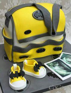 Batman nappy diaper bag cake by cupcakecoco.com