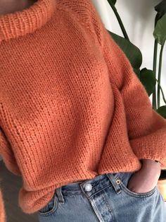 Strikkeoppskrift: Sunnivagenseren – Knitting For Beginners Love Knitting, Jumper Knitting Pattern, Knitting Blogs, Knitting For Beginners, Knitting Stitches, Knitting Projects, Knitting Socks, Baby Knitting, Knitting Scarves