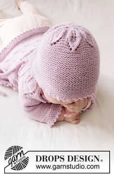Pink petals hat DROPS Baby 33 14 free knitting patterns by DROPS design Baby Knitting Patterns, Baby Hats Knitting, Knitting For Kids, Baby Patterns, Free Knitting, Knitted Hats, Drops Design, Drops Baby, Knit Crochet