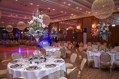 Lake Wedding Velden am Woerthersee Austria Falkensteiner Schlosshotel Velden Luxury Wedding, Elegant Wedding, Dream Wedding, Wedding Receptions, Wedding Ceremony, Wedding Planner, Destination Wedding, Carinthia, Turquoise Water