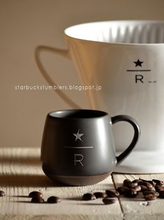 Starbucks Reserve® Mug (Available only at Starbucks Reserve® Roastery & Tasting Room) Coffe Cups, Tea Cups, Starbucks Reserve, Tasting Room, Coffee Cafe, Starbucks Coffee, Brand Packaging, Mug Cup, Food Design