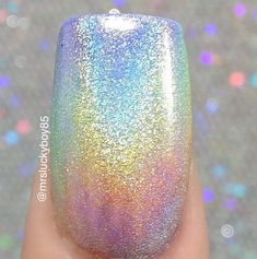 Amazing mani tutorial by @mrsluckyboy85 using @mitty_burns Magical Fairy Dust Holo Powder available (20% Off LAST DAY) at snailvinyls.com. She is using regular (not gel) polish- the white is @serendipitypolish's new Goal Digger with the gradient colors by @chinaglazeofficial And a base coat by @essiepolish. She does use a water based top coat to maintain the chrome look. Love Nails, How To Do Nails, Pretty Nails, Holo Powder, Gold Nail Polish, Gel Polish, Chrome Nail Art, Chrome Powder, Nail Effects