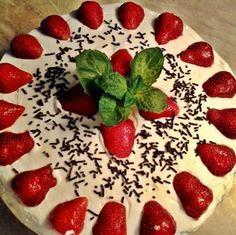 Egy finom Tejszínes epertorta babapiskótával ebédre vagy vacsorára? Tejszínes epertorta babapiskótával Receptek a Mindmegette.hu Recept gyűjteményében! Cakes And More, Watermelon, Food And Drink, Strawberry, Pudding, Baking, Fruit, Recipes, Custard Pudding