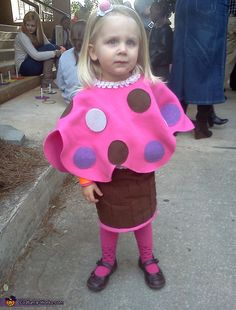 Momma's Little Cupcake Costume - Halloween Costume Contest via @costumeworks