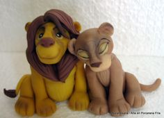 El Rey León - Adorno para torta realizado en Porcelana Fría / The Lion King - Cake topper made of Cold Porcelain