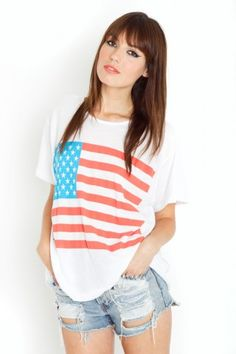 Simple tee for the 4th of July. http://www.accordingtoaimee.com/2011/05/want-now-patriotic-tees.html