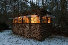 Invisible Hut: Camouflage Cabin Hides Inside a Pile of Logs – I'm going to have to tell my brothers about this! Invisible Hut: Camouflage Cabin Hides Inside a Pile of Logs – I'm going to have to tell my brothers about this! Cabin Homes, Log Homes, Eco Cabin, Modern Log Cabins, Rustic Cabins, Modern Lodge, Home Modern, Wood Facade, Log Cabin Designs