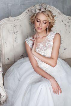 Образ невесты. Причёска и макияж моя работа www.makeuptrend.ru Angel Makeup, Sexy Stockings, Wedding Makeup, Persona, Pretty In Pink, Character Inspiration, Wedding Day, Flower Girl Dresses, Princess