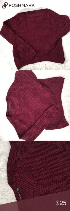 Brandy Melville knit sweater Gently used- one size fits most Brandy Melville Sweaters