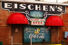 Eischen's Bar. An Oklahoma legend that happens to serve the best ever fried chicken. Photography by Kelli Thomas | Oklahoma Road Trip on a Rainy Day