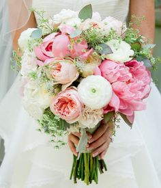 Get Inspired: 25 Pretty Spring Wedding Flower Ideas. To see more: www.modwedding.co... #wedding #weddings