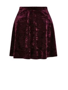 Got something like our Purple Velvet Skater Skirt hanging in your wardrobe? Then simply add a net petticoat underneath for a doll look. #newlook #fashion