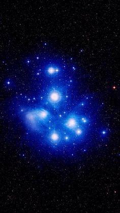 [El cúmulo de estrellas Pléyades, Tauro]