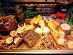 #kaasisleven #wijnbar #saar #utrecht #lunchen #borrelen #seizoen Utrecht, Dairy, Cheese, Food, Essen, Meals, Yemek, Eten