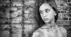10 errores con nefastas consecuencias si dejas que tu hija se vista sin cuidado