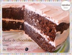 Chocolate cake with raspberry cheesecream / Tarta de chocolate con crema de queso y frambuesa