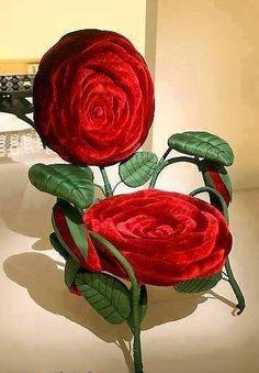 Güllü dekoratif koltuk modeli