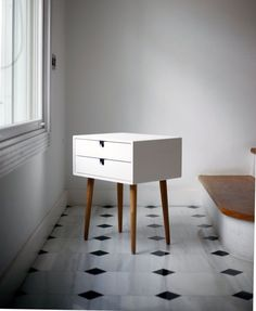 White nightstand / Bedside Table, Scandinavian Mid-Century Modern Retro Style with 2 drawers and legs made of oak wood - Wood Ideas Bedside Table Styling, Bedside Tables, White Nightstand, Mid Century Design, Modern Interior Design, Solid Oak, Mid-century Modern, Room Decor, Bedrooms
