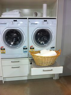 Kitchen laundry - Like the pull-out shelf to set laundry basket