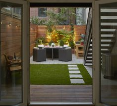 Cool Chic Small Courtyard Garden Design Ideas For You. garden design layout Chic Small Courtyard Garden Design Ideas For You Small Courtyard Gardens, Small Courtyards, Small Backyard Gardens, Modern Backyard, Backyard Garden Design, Small Backyard Landscaping, Small Space Gardening, Small Garden Design, Small Patio