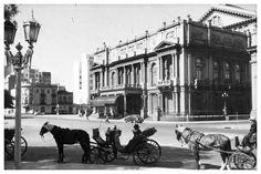 Agosto de 1911. El Teatro Colón se destacaba en una ciudad que iba creciendo al ritmo de la llegada de inmigrantes. (Archivo Clarín)