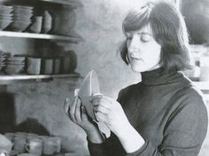 Gwyn Hanssen Pigott: Potter whose work was acclaimed for its clarity and calmness - Obituaries - News - The Independent
