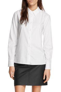 Classic Cotton Poplin Long-Sleeved, Button-Up Shirt 100% Cotton poplin Classic…