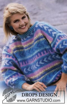 """DROPS jumper with pattern borders in """"Vienna"""". Ladies and men's sizes S – L. - Free pattern by DROPS Design Sweater Knitting Patterns, Crochet Cardigan, Free Knitting, Crochet Patterns, Knitting Sweaters, Drops Design, Drops Karisma, Raglan Pullover, Sewing Sleeves"""