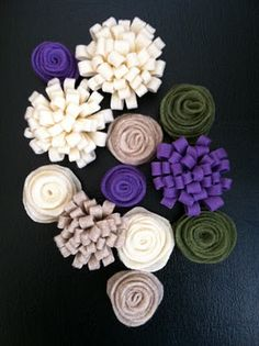 delightful creations: DIY Purple Yarn Wreath Tutorial