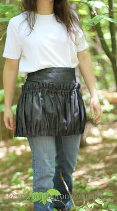 This Ruffled Gathering Apron works great for carrying supplies or gathering things like eggs or dinner harvest. It is made of light weight denim. Three separat