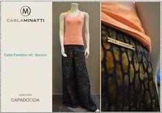 Este modelo sencillo de falda pantalón, horma espectacularmente en este algodón estampado con la técnica Batik.    El batik es una de nuestras telas preferidas no solo por la sofisticación de sus diseños sino por la frescura de la misma.