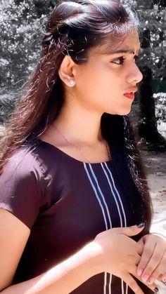 Beautiful Girl In India, Beautiful Indian Actress, Beautiful Black Women, Desi Girl Image, Girls Image, Indian Teen, Indian Girls, Neelam Gill, Indian Long Hair Braid
