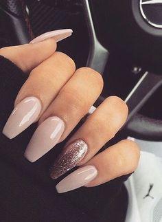 pretty nails for summer . pretty nails for winter . pretty nails design Smalti nude: tutti i colori più belli Fancy Nails, Cute Nails, Pretty Nails, Best Acrylic Nails, Acrylic Nail Designs, Aycrlic Nails, Hair And Nails, Coffin Nails, Dream Nails