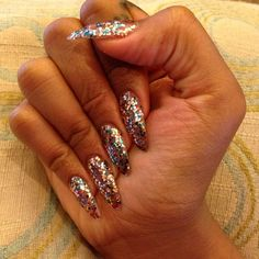 NAIL ART / NAIL DESIGNS / STILETTO NAILS / ACRYLIC NAILS / OVAL NAILS / GLITTER NAIL POLISH