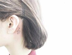 Treble clef tattoo behind ear art tattoos, treble clef tatto Dad Tattoos, Music Tattoos, Cool Tattoos, Awesome Tattoos, Star Tattoo Designs, Flower Tattoo Designs, Small Wrist Tattoos, Tattoos For Women Small, 3 Hearts Tattoo