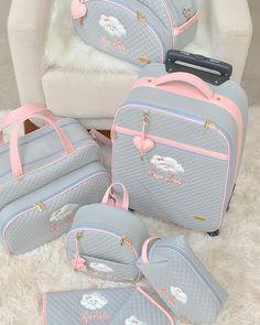 Impossível não se apaixonar! 💕 Kit dos sonhos!! @chiquinha_bag •••••• Quer escolher as bolsas mais lindas?!!! Conheça nossa marca…