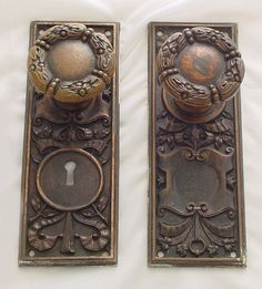 Antique Door Knobs and plates Antique Door Hardware, Door Knobs And Knockers, Vintage Door Knobs, Antique Door Knobs, Black Door Handles, Knobs And Handles, Decorative Door Knobs, Old Keys, Unique Doors