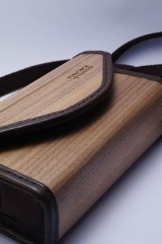 bended lamellar walnut WoodenBag