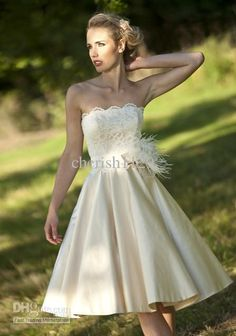 Wholesale Short Graceful A Line Wedding gown Strapless Taffeta Lace/Feathers/fur Knee length Wedding Dresses, Free shipping, $99.99-115.99/Piece | DHgate