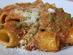 Wine Recipes, Gourmet Recipes, Pasta Recipes, Rigatoni, Italian Main Courses, Food And Drink, Wine Food, Gnocchi, Italian Recipes